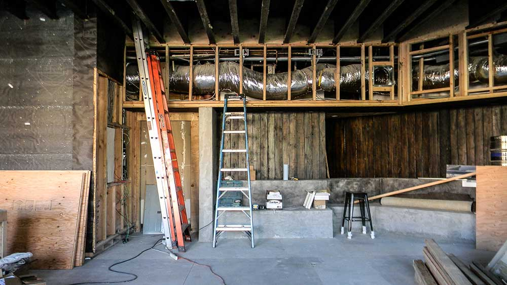 restaurant and bar remodel of blue parrot into bar 1502 in ocean beach san diego california